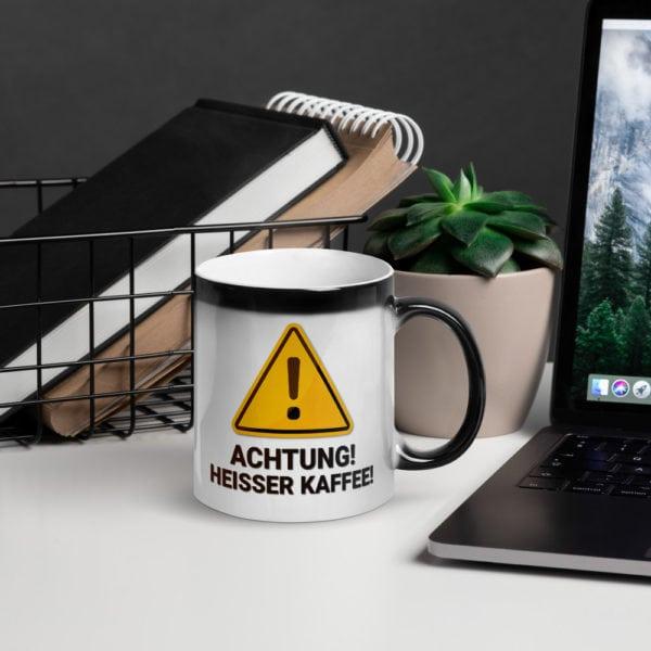 MagischeTasse | Zaubertasse: Achtung! Heißer Kaffe! Mit zauberhaften Farbeffekt!